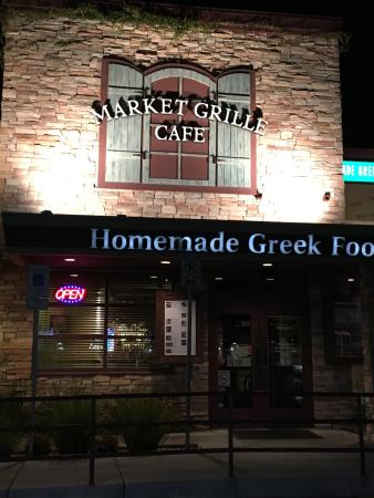 Market Grille Cafe: Wow. Third visit. Top flight and very friendly service on a Saturday night. Mussaka and stuffed