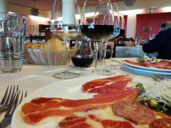Smerillo, อิตาลี: Una sana domenica culinaria
