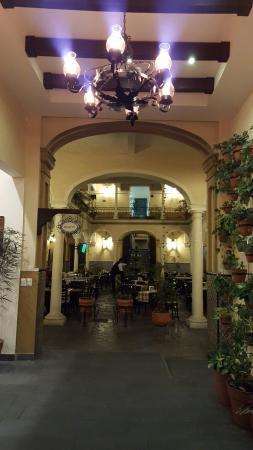 Gran Hotel De France: 20160130_200352_large.jpg