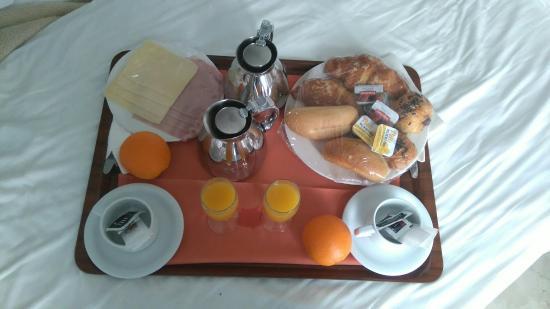 Belroy Hotel : DSC_0006_large.jpg