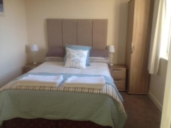 Langholm, UK: Double Room with en suite shower