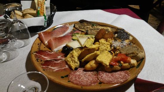 Lubriano, إيطاليا: P_20160131_131654_HDR_large.jpg