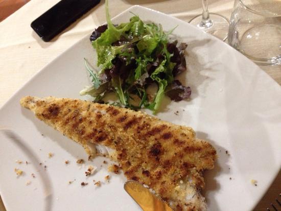 Valderice, Italie : Pesce freschissimo! Locale rustico e particolare, proprietarie cordiali e simpaticissime!