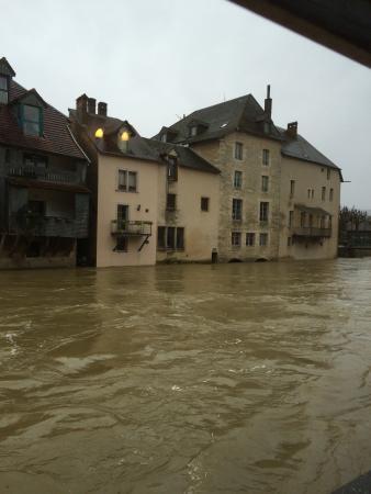 Ornans, Francia: photo0.jpg