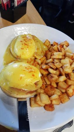 Eggs benedictine, eggs and bacon. - Picture of The Cracked Egg ...