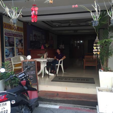 Mecca Beach Front Hotel Patong Phuket: photo0.jpg