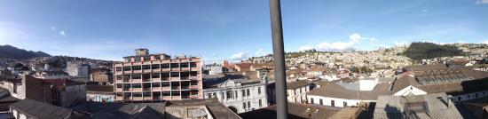 Hotel San Francisco de Quito: The view form the roof!