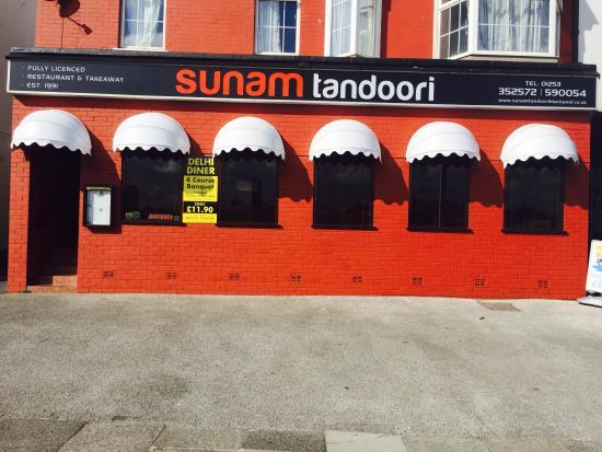 Bispham, UK : Newly decorated front