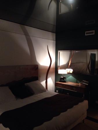 Salle de bain avec sauna et baignoire Jacuzzi chambre Cap ...