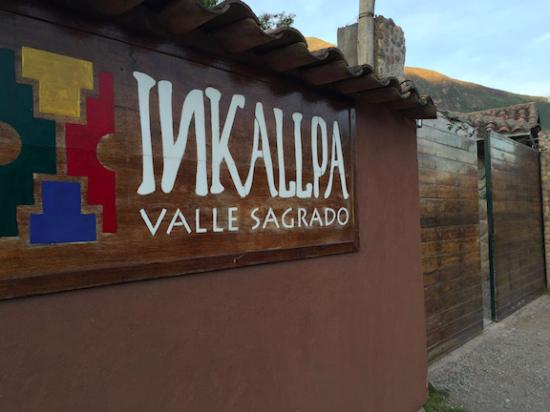 Inkallpa Valle Sagrado: The property is surrounded by a large wall. This helped to keep it very quiet and private.
