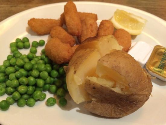 Crewe, UK: Scampi, jacket & garden peas