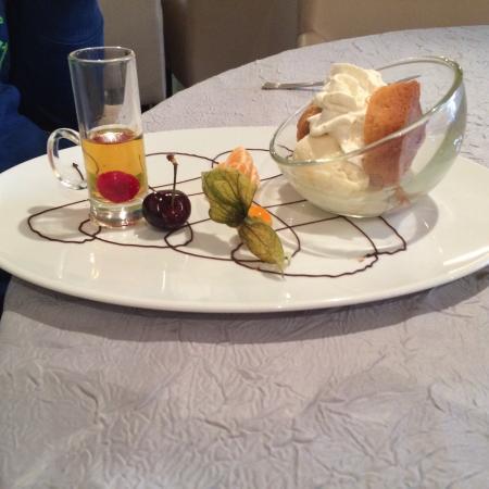 Un repas d licieux nh c a la table d 39 emilie marseillan tripadvisor - La table d emilie marseillan menu ...