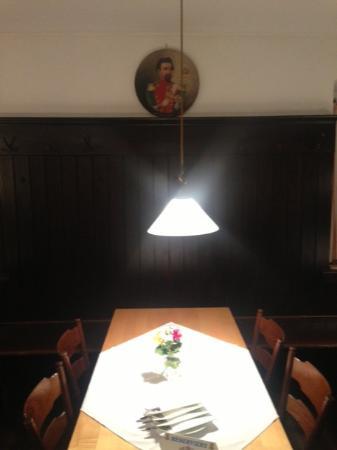 Frasdorf, Tyskland: Einzeltisch unter Koenig Ludwig Bild