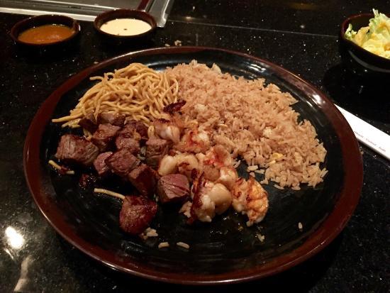 West Hartford, كونيكتيكت: Filet mignon and lobster fail
