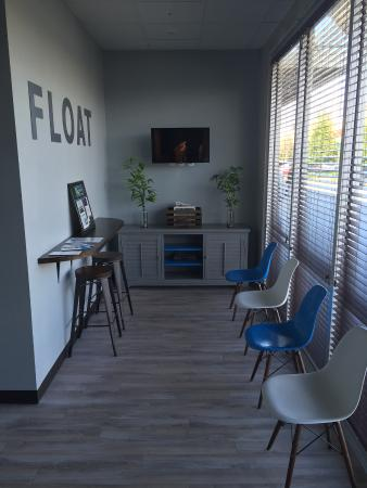 Float Brothers Float Spa: Waiting area