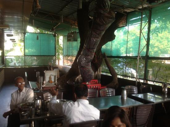 Hotel Vihar Deluxe : Good location
