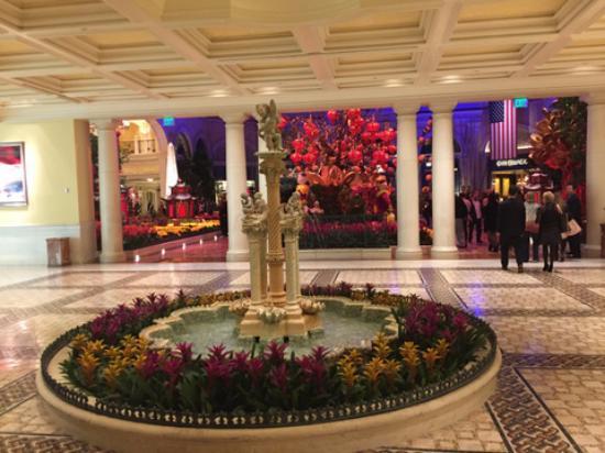 The Majestic Mirrored Horse In The Lobby At Bellagio Las ... |Las Vegas Bellagio Hotel Lobby