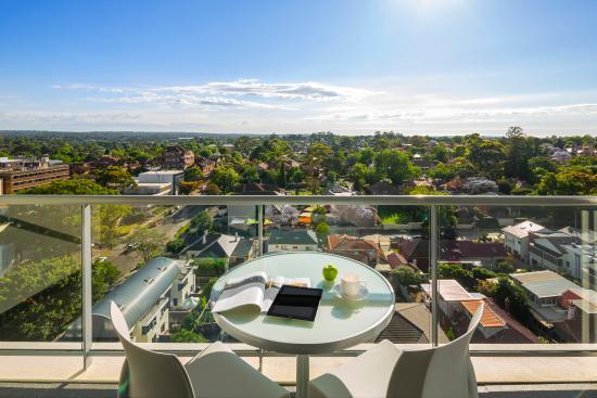 Chatswood, Australia: Balcony view