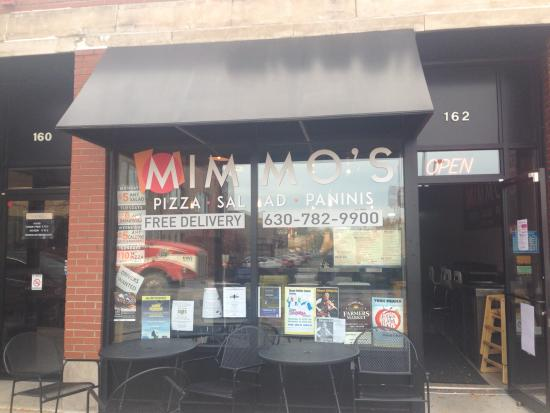 Elmhurst, IL: Mimmo's Pizza front of store