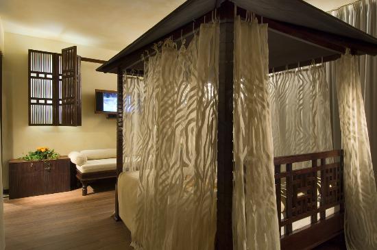 Montano Lucino, Italy: Drive_Motel_Suite_Bali