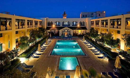 โรงแรมไดอา เลมดีนา