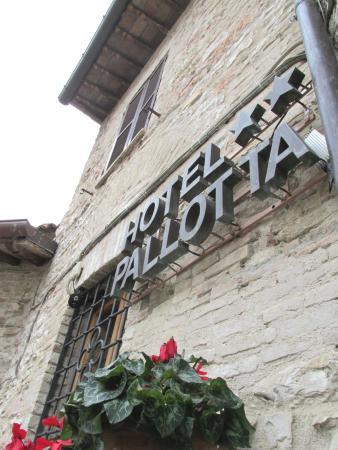 Hotel Pallotta Assisi: Patricolare Esterno Hotel