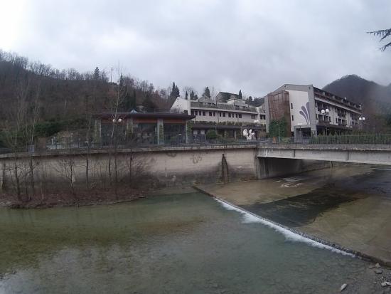 Piscina esterna inverno foto di r seo euroterme - Euroterme bagno di romagna prezzi ...