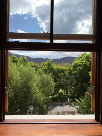 Calitzdorp, Sydafrika: The window with a view, beautiful in calm.