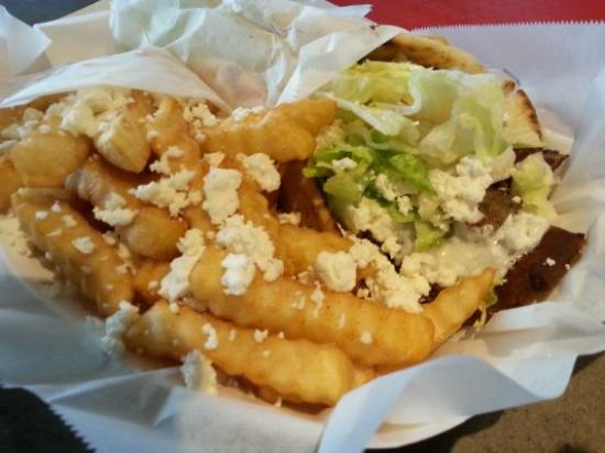 Chickasaw, AL: Gyro combo with Greek fries 1