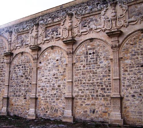 Militello in Val di Catania, Italie : S. Maria la Vetere. Campate della navata destra.