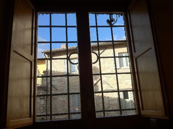 Hotel Pallotta Assisi: Finestra