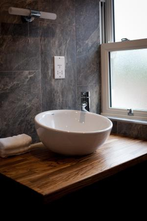 Easingwold, UK: One of our bathrooms