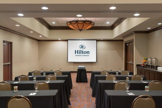 Hilton Phoenix Chandler: Our meeting rooms feature flexible space and can accommodate many seating setups