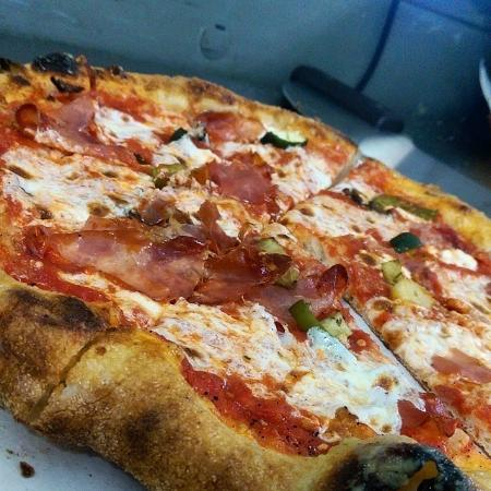Higginsville, MO: Amazing wood-fired pizzas