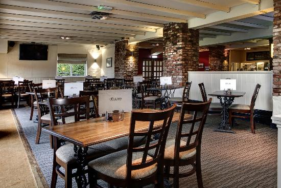 BEST WESTERN PLUS Coventry Windmill Village Hotel Golf & Spa: Cellars