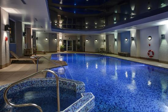 Best Western Plus Coventry Windmill Village Hotel Golf & Spa: Swimming Pool
