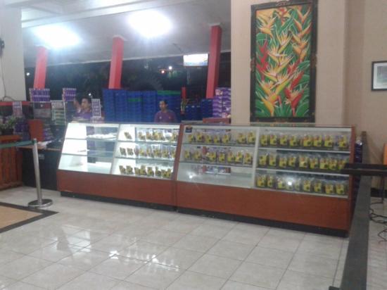 Pandaan Indonesia  city pictures gallery : Pandaan, Indonesia: ada tempat buat beli oleh oleh juga