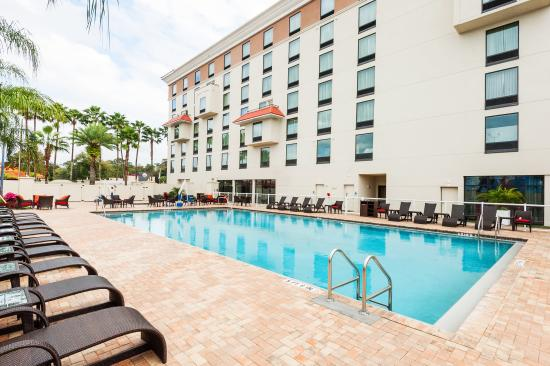 outdoor pool deck picture of delta hotels by marriott orlando lake rh tripadvisor com