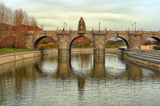 Foto De Puente De Toledo Madrid Vista Desde El Puente De Los