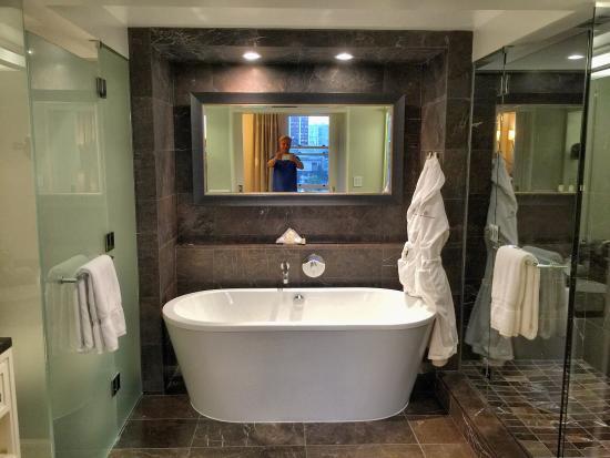Rosewood Hotel Georgia: photo1.jpg