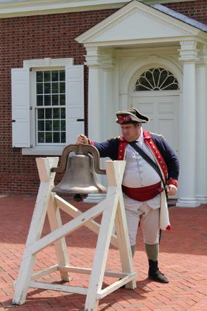 Montevallo, AL: ringing the bell to honor veterans