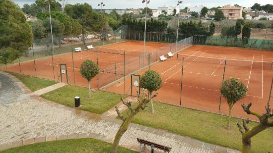 Looby bar piscines tennis billede af blau colonia for Piscines sant jordi