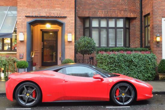 ذا ليفين: View from 15 Basil Street Apartments in Knightsbridge