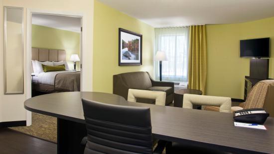 Carrollton, OH: One Bedroom Suite