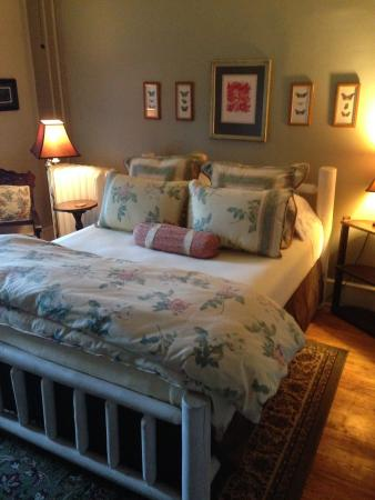 The Angler's Inn Bed and Breakfast: The McKenzie Room
