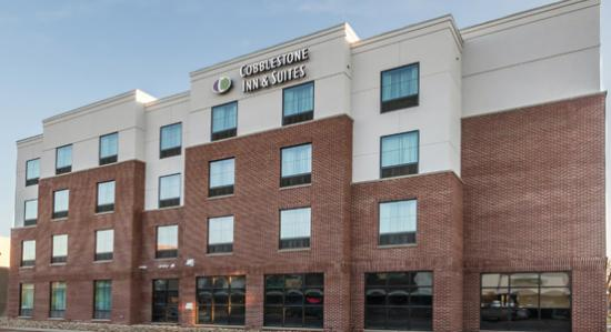 Cobblestone Inn & Suites Waverly, IA