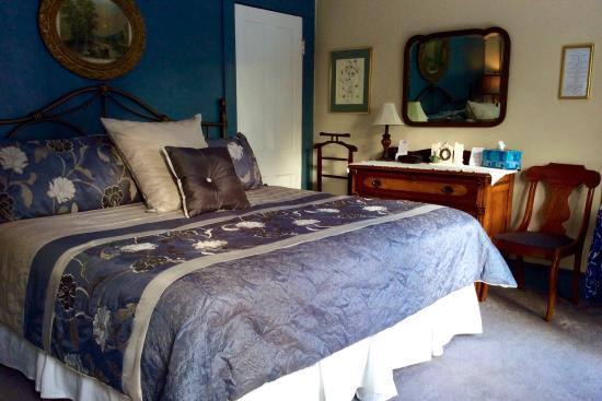 The Angler's Inn Bed and Breakfast: The Fenwick Room with King Bed