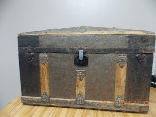 Mills River, NC: Antique Camelback/Dome Top Trunk