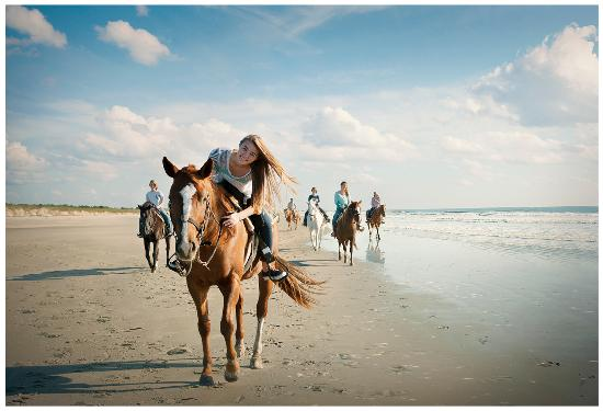 North Myrtle Beach, SC: Horseback ride along the beautiful beach the Inlet Point Plantation