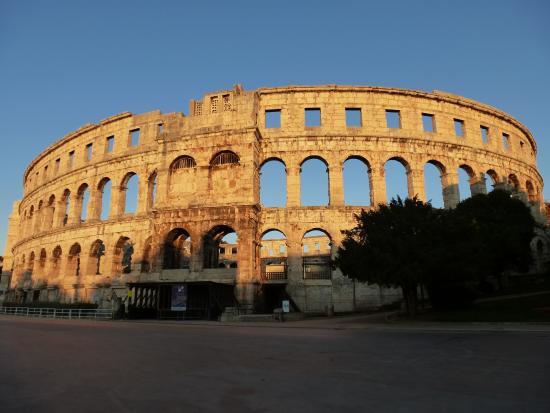 Πούλα, Κροατία: Pula Colosseum